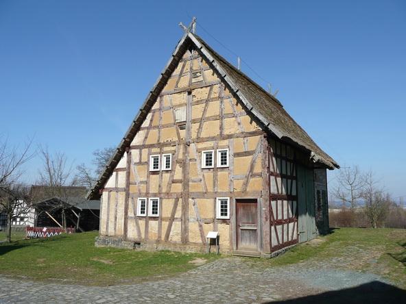 Schwarzhaarig Neu-Anspach(Hesse)